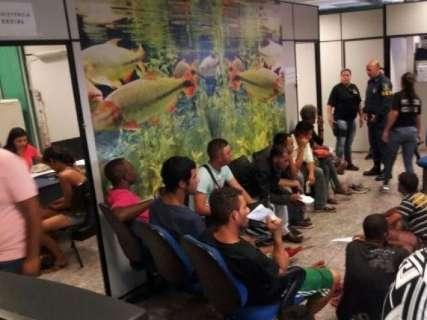 "Contra furtos, Polícia Civil ""leva"" 108 moradores de rua para delegacia"