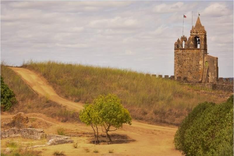 O castelo de Montemor. (Foto: Larissa Pulchério)