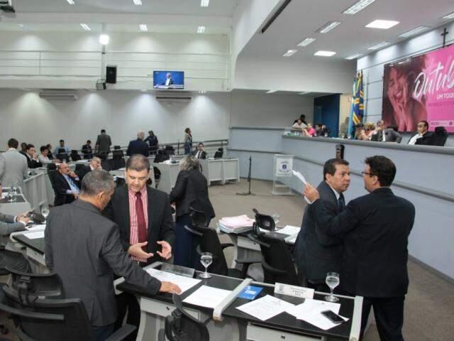 Vereadores durante sessão na Câmara Municipal de Campo Grande (Foto: Izaias Medeiros)