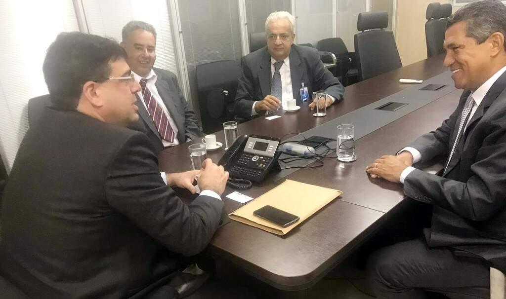 Representantes de Corumbá se reuniram com diretor do Dnit, em Brasília. (Foto: Divulgação)