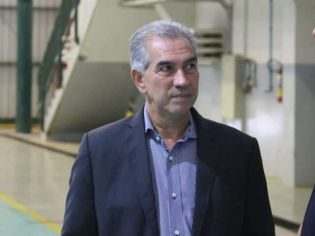 Governador Reinaldo Azambuja durante evento na Base Aérea nesta tarde (Foto: Paulo Francis)