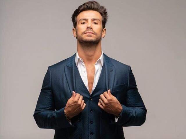 Novo visual do cantor Mariano. (Foto: Vogue Brasil)