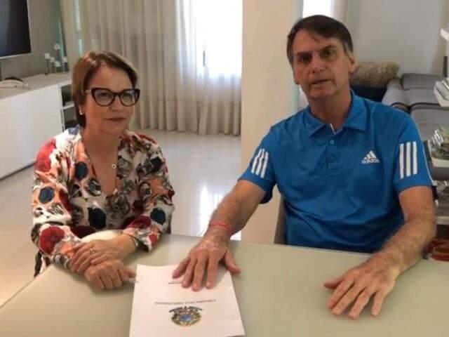 Tereza Cristina em visita a Bolsonaro durante a campanha eleitoral; deputada indicada para o Mapa pela FPA teve nome confirmado pelo presidente eleito. (Foto: Divulgação)