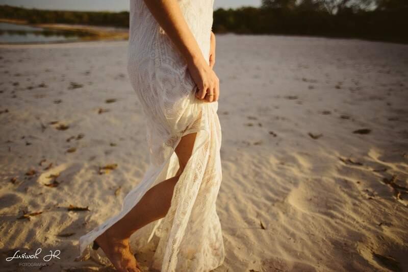 Pés na areia: cenário reproduz praia em fotos sem precisar sair daqui. (Foto: Lusival Junior)
