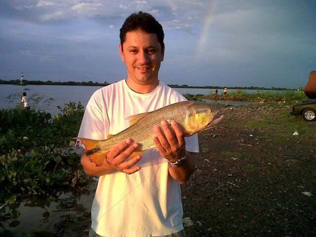 Pesca é uma das atividades que Vinícius apreciava fazer enquanto morou em Corumbá. (Foto: Reprodução/Facebook)