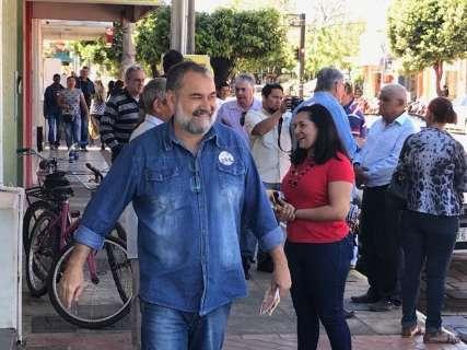 Candidatos aproveitam sábado para caminhadas e reuniões políticas
