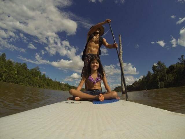 Sup pode ser praticado por crianças e adultos (foto: Marcelo Rebuá)