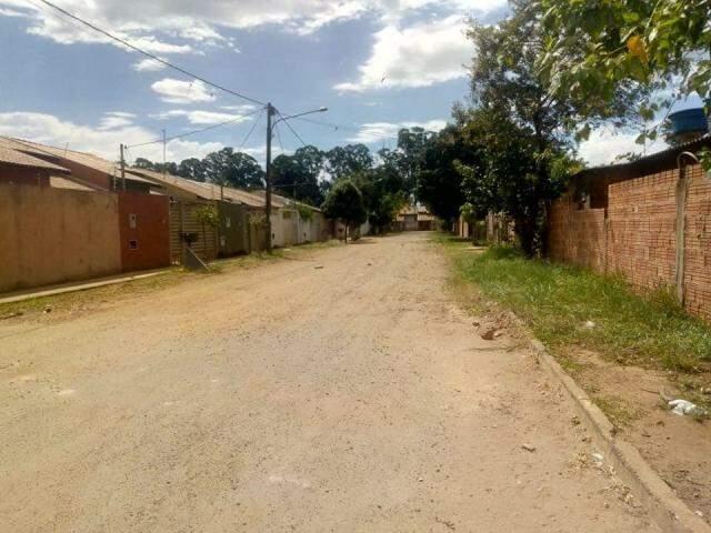 Rua do bairro São Conrado, na tarde deste sábado, sem chuva (Foto: Direto das Ruas)