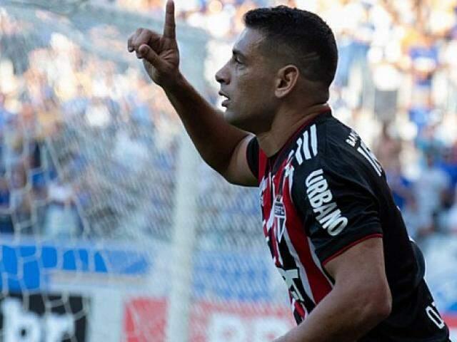 Diego Souza abriu o placar para o São Paulo no estádio Mineirão (Foto: São Paulo FC/Divulgação)