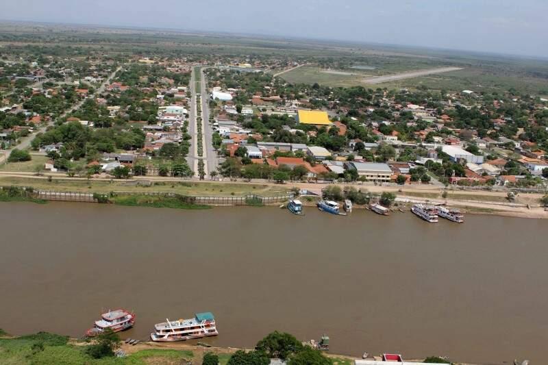 Cidade na fronteira é banhada pelo rio Paraguai. (Foto: Toninho Ruiz)
