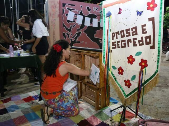 Favela Literária foi realizada na última segunda-feira (4) para reunir escritores da periferia. (Foto: Paulo Francis)