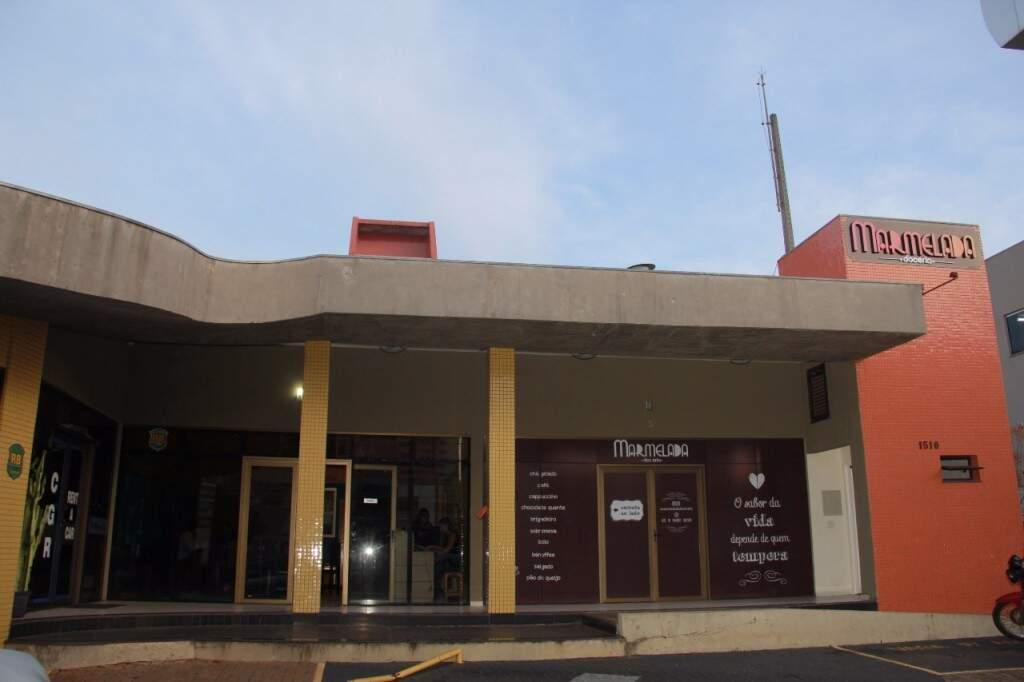 Café fica ao lado de um posto de gasolina na Mato Grosso. (Foto: Marcos Ermínio)
