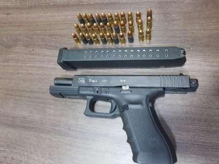 Arma de pistoleiro do PCC foi usada em dois atentados na fronteira