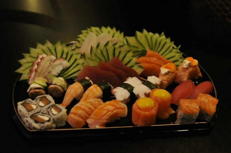 Combinado de sushi é bastante variado. (Foto: Alcides Neto)