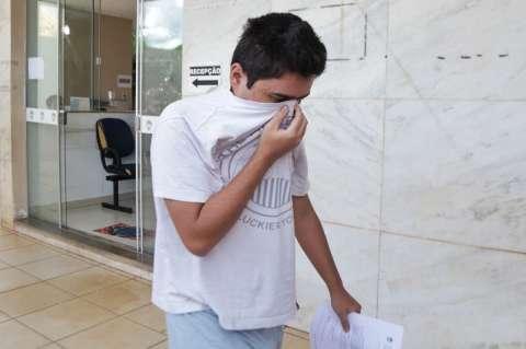 Após pagar R$ 3,8 mil de fiança, alvo de operação deixa delegacia