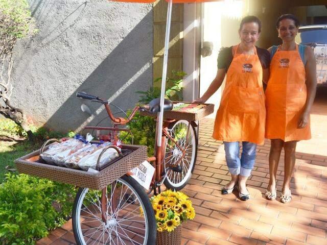 As empresárias Madá e Lisandra, já chegaram a vender R$ 600,00 por dia.(Foto: Adriano Fernandes)