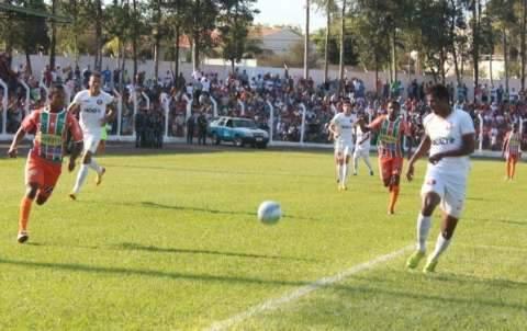 Naviraiense garante vaga na final após derrota para o Itaporã em jogo tumultuado