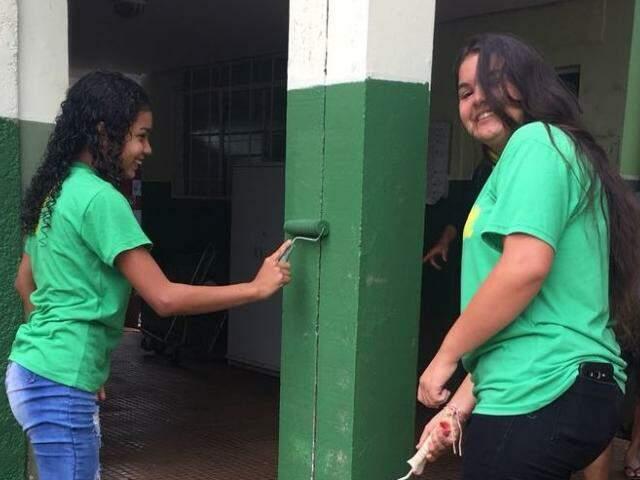 Entre as ações, paredes de escola foram pintadas (Foto: divulgação)