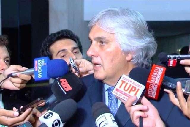 Medidas para superar a crise exigirão articulação, diz Delcídio