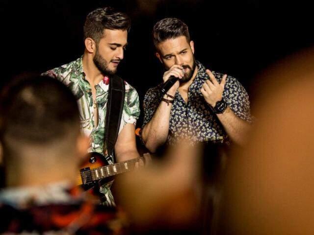 Manu e Rafael investem em uma pegada mais latina na tentativa de uma carreira internacional. (Foto: Divulgação)