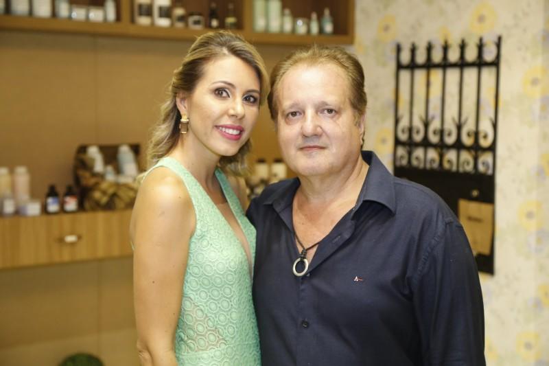 Sócios da Cia da Mulher, Jussara Mendes e Dr. Wagner Leão se preocupam em oferecer o melhor aos clientes de Mato Grosso do Sul. (Foto: Gerson Walber)