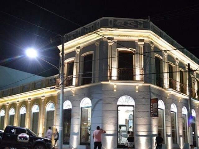 Depois do Hotel Galileo.