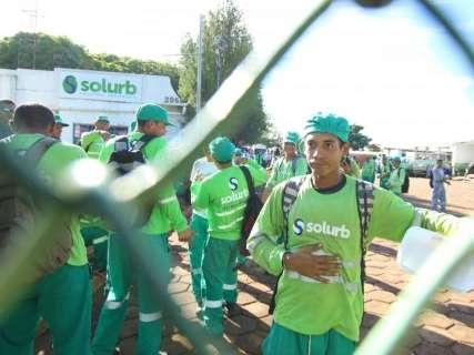 Justiça concede liminar à Solurb proibindo greve de coletores de lixo