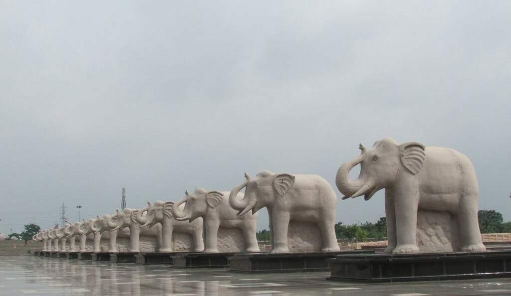 """Alguns """"elefantes brancos"""" mais caros do mundo"""
