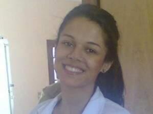 Camila chegou a ser transferida após 48h em UPA, mas não resistiu (Foto: reprodução / Facebook)