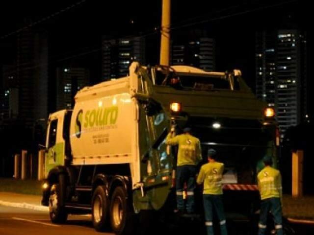 Prefeitura quer rediscutir valores pagos à Solurb, que opera a coleta e destinação de lixo na Capital. (Foto: Divulgação)