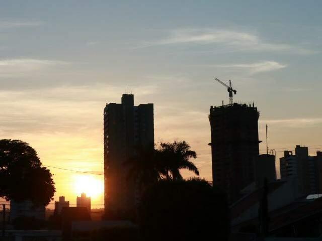Temperatura máxima poderá chegar aos 30°C em Campo Grande. (Foto: Henrique Kawaminami)