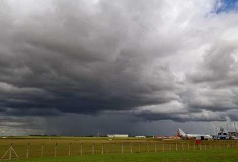 Por essa todo mundo espera: vai chover sábado, diz metereologia