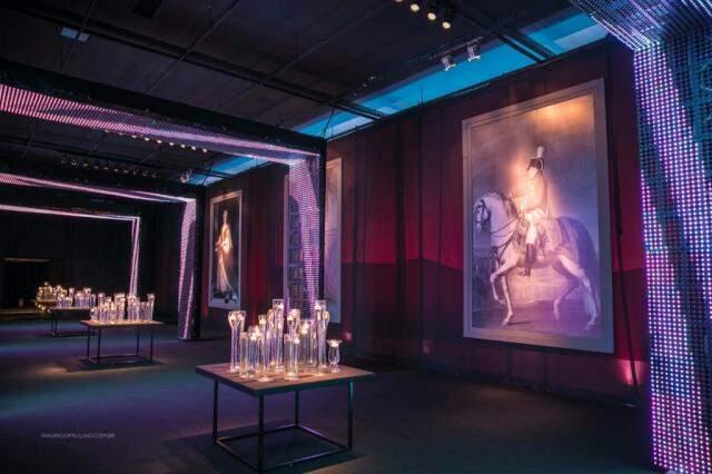 Dark Room teve grandes quadros com figuras da história, como Napoleão. Foto: Maurício Paulino
