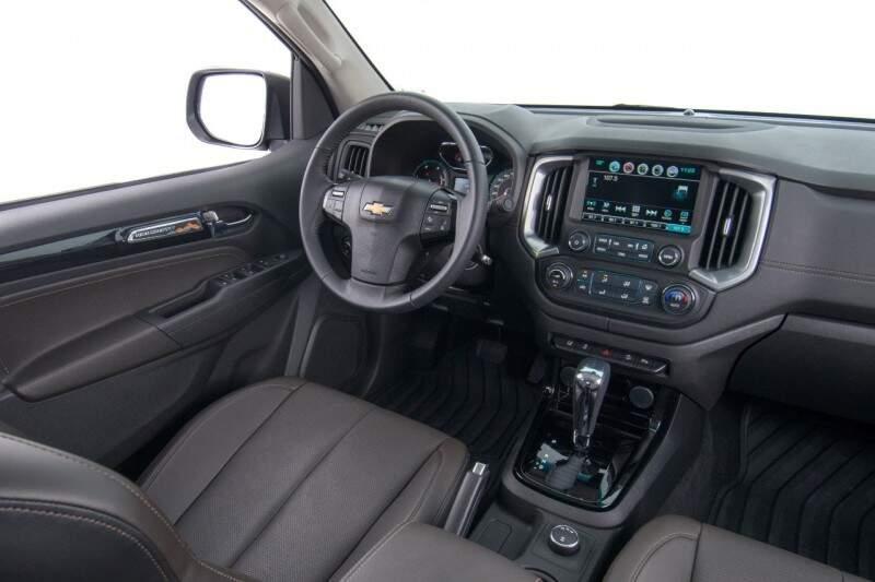 A picape ganhou interior renovado e mais equipamentos de tecnologia com MyLink de segunda geração com GPS.