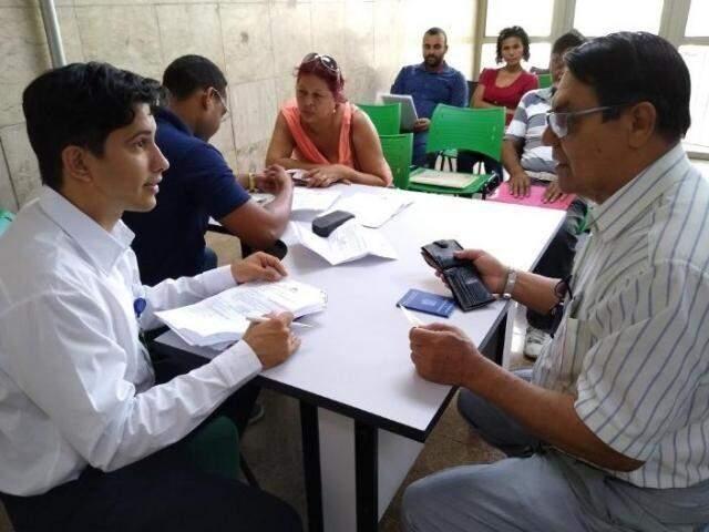 Candidatos em busca de oportunidade de trabalho na Funtrab (Foto: Divulgação/Funtrab)