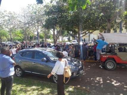 Professores e administrativos voltam a cruzar os braços em Corumbá