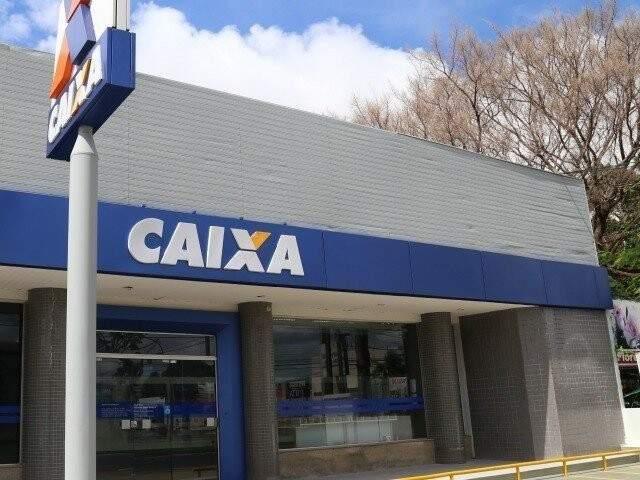 Fachada de agência da Caixa em Campo Grande. (Foto: Arquivo)