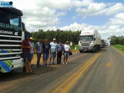 Protesto completa dez dias e caminhoneiros bloqueiam 5 trechos