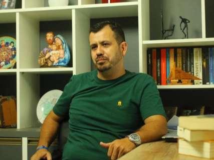 Corrupção envolvendo candidata é romance de ficção com capítulos semanais