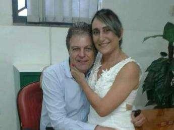 Em meio à caça por assassino, vítima de feminicídio é sepultada