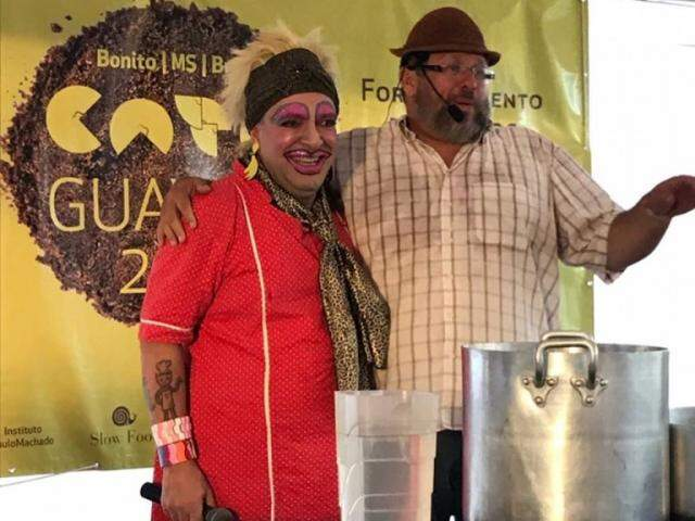 Na edição anterior os chefs cozinharam e entreteram o público (Foto: Divulgação)