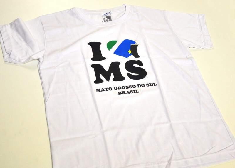 Camisa vendida na loja virtual. (Foto: João Garrigó)