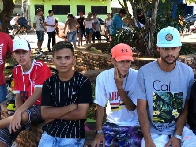"""Para unir bairro, turma do Guanandi ocupa praça, mas sempre acaba """"enquadrada"""""""