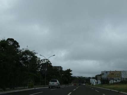 Chuva derruba temperatura e sábado começa com neblina em Campo Grande