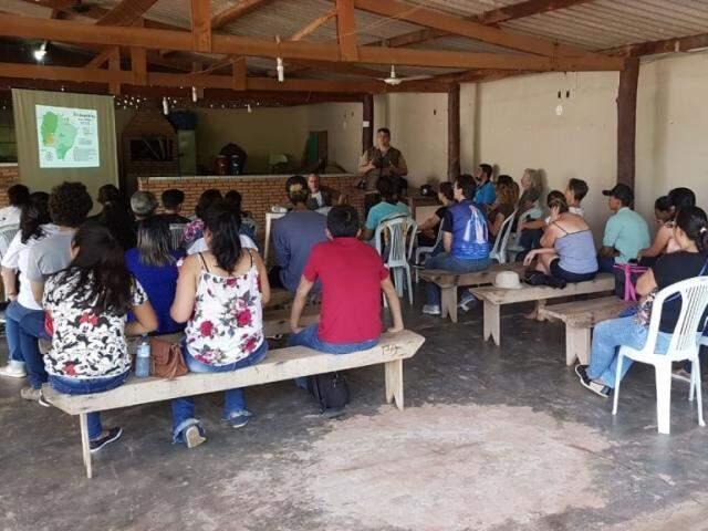 Festa do Peixe mobiliza comerciantes de Camisão; população do distrito espera ver comunidade se tornar destino turístico. (Foto: Luiz Guido Jr./O Pantaneiro)