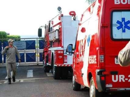 Vazamentos de amônia durante a noite mobilizam bombeiros para frigorífico