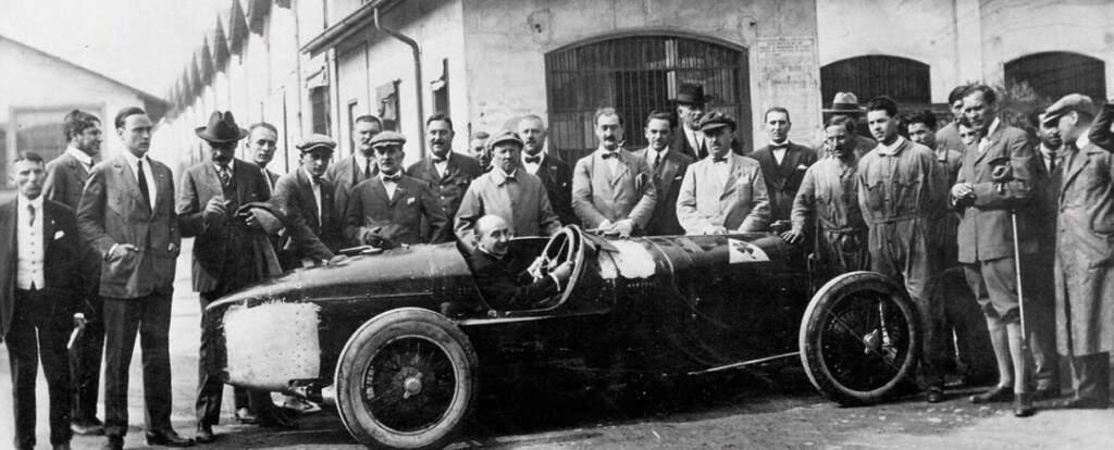Chevrolet era mecânico. Os homens que criaram carros