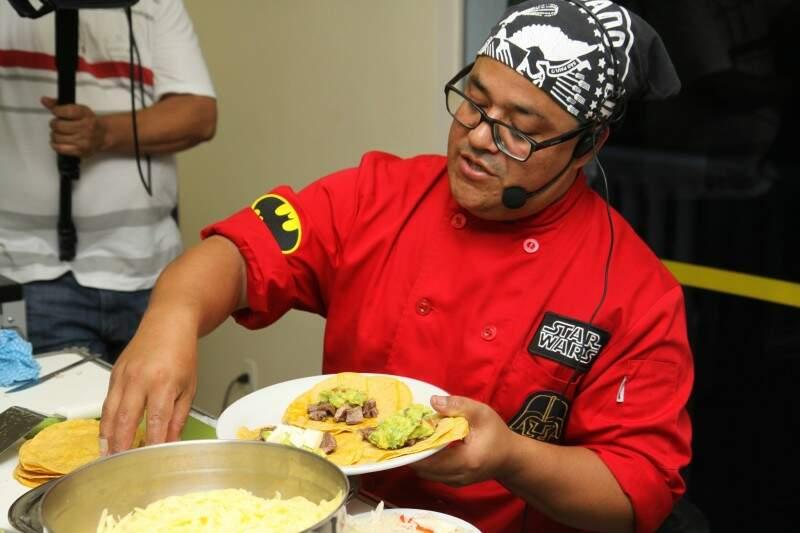Cheff mexicano mostra que tacos são diferente do que muitos conhecem no Brasil (Foto: Cleber Gellio)