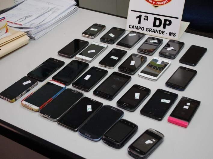 Celulares furtados e recuperados pela polícia em Campo Grande (Foto: Arquivo)