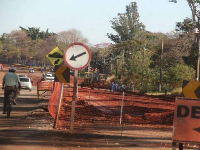 Duplicação da avenida Euler de Azevedo, em Campo Grande. (Foto: Marcos Ermínio).